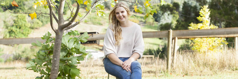 Gully Gardeners:  Eliza Henry-Jones On Flower Farming, Creativity & Life In The Yarra Valley